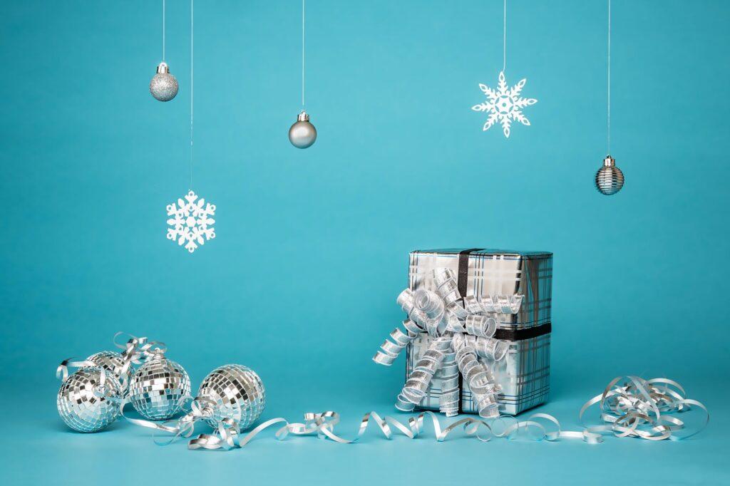 Julegaver og pynt