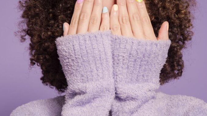 Farvede negle